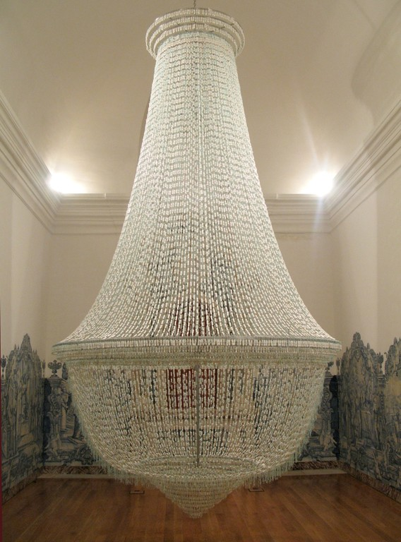 Joana Vasconcelos, A Noiva [The Bride], tampons, 6000 × 3500 × 500mm, 2001-2005.