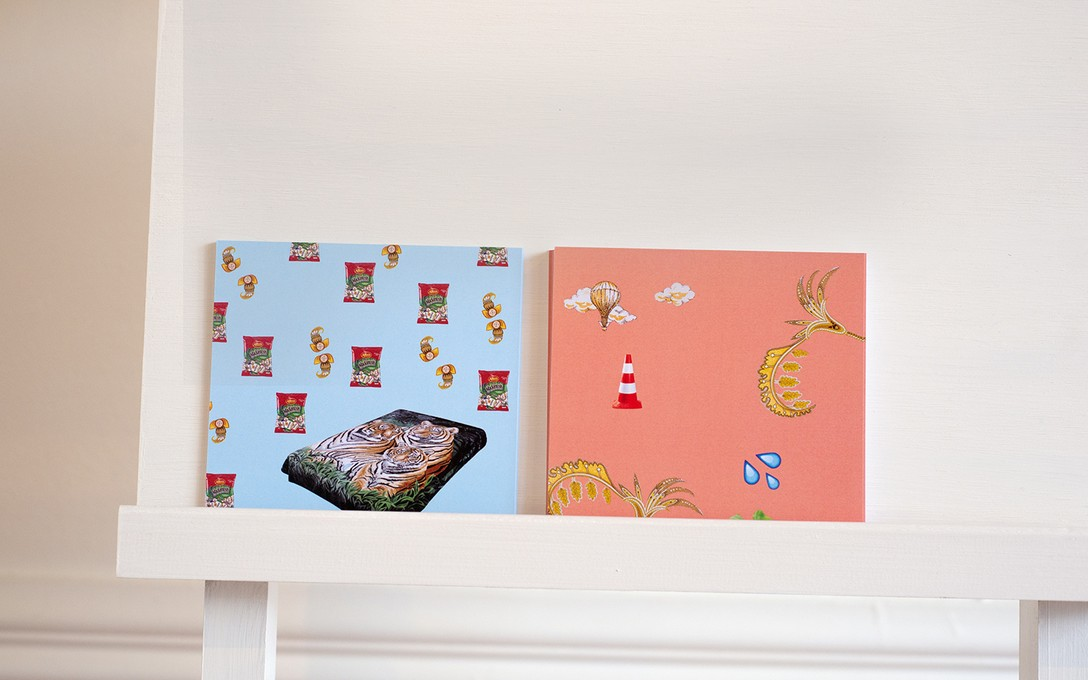 Postcards by Louisa Afoa on furniture by Tim Larkin with Abe Hollingsworth, 2018. Image courtesy of Xander Dixon.
