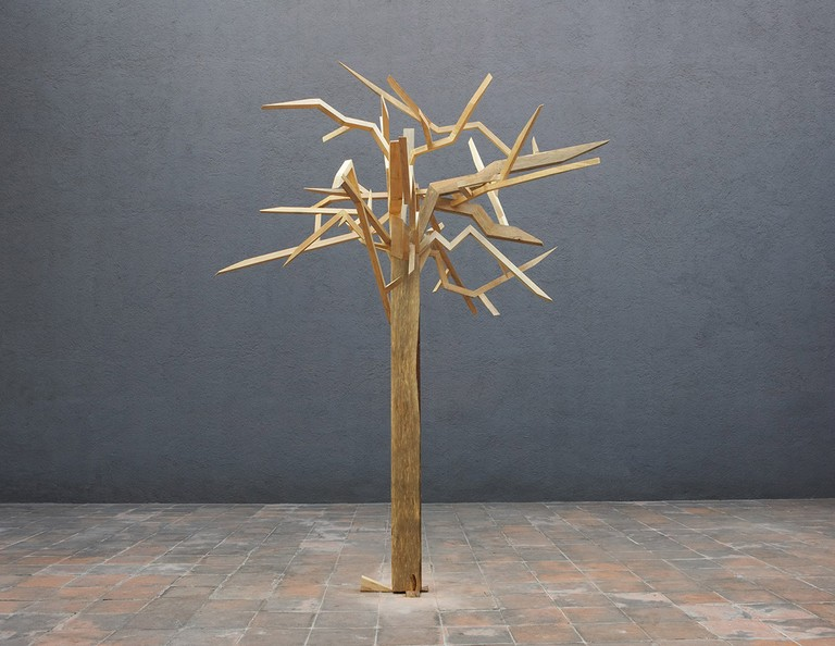 A tree cut at 1:1, 1:4 and 1:16, From the series An Ethnography on Gardening, 2006-2008, Wood, 4 x 3 x 3 mts. Photo: Roberto Rubalcava © Raul Ortega Ayala